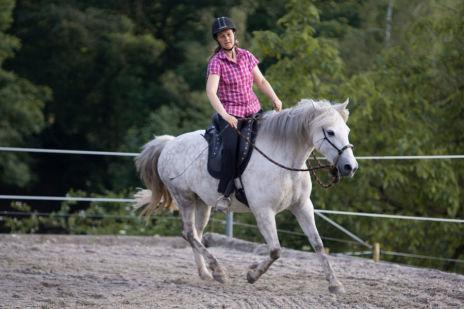 Frau Meininger Schön zu Pferd